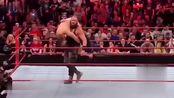 WWE:黑羊霸气上场,过肩摔ko对手
