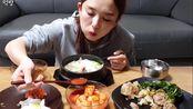 【搬运】吃播/爽快吃播系列之Hamzy牛肉汤饭和筋道的牛蹄筋加上爽脆的泡菜!
