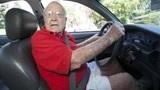 考取驾照的年龄限制是多少,超过70岁还能开车吗?今天总算知道了