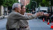 平凡英雄遭诬陷,东木老爷子克林特·伊斯特伍德拍电影还原真相,原型母亲感恩流泪。