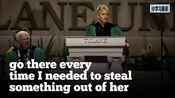 """【脱口秀女王艾伦(Ellen)杜兰大学毕业演讲】""""史上最搞笑毕业典礼演讲"""",旁边的教授笑抽了!"""