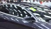 首批15辆国产特斯拉交付,车主都是员工