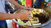 每天收入至少8000,福建夫妻3代传承卖2元小吃,出锅就被顾客抢光