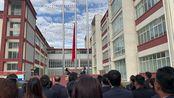 甘露藏医药各产业党员干部参加升国旗仪式激动满怀上午9.30分