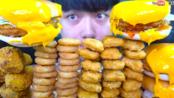 {含倒放+倍速}《深渊巨口》【UDT小哥】蜂蜜炸鸡汉堡+炸鸡块 大口吃真满足 韩国大胃王吃播