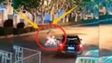女子骑电动车闯灯,撞上汽车被判全责,对方就一点责任都没有?