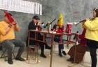 河南许昌市,美女唢呐吹奏传统民间小调,听一遍就非常喜欢!