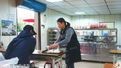 行疆环台湾岛第5天,在路边小吃店吃早餐,店主给送了杯奶茶
