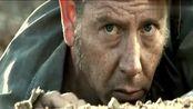 《铁血精英》杰森斯坦森持枪跳下地穴,追击反派,热血十足!