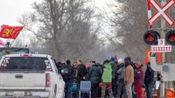 加拿大爆发抗议活动,美加大桥边境交通停摆,特鲁多取消出访