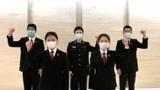 吉林省长春林区中级法院的工作人员唱响 《加油武汉》