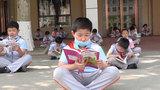 创意十足!西安一小学开设透气课 学生错峰摘口罩自由呼吸
