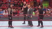 WWE:罗马统治VS布劳恩·斯特鲁曼VS萨摩亚·乔,谁也拉不住!