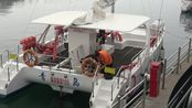 青岛市奥帆中心,巧遇19届国际帆船赛欢迎仪式,俄罗斯选手给中国大妈献花