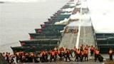 不敢相信!中国军人在海外火了,仅用26分钟建起浮桥横跨长江