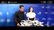 【鳳凰娛樂大事件】袁姍姍露香肩亮相北京電影節 與明道再牽手
