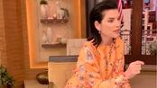 """【中文字幕】Julianna Margulies - """"Don't touch your face"""""""