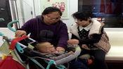 妈妈带3个月宝宝逛街,结果孩子被诊断脑震荡,只因宝宝坐这种车