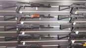 【我的VLOG】我在莫斯科:带你走进合法AIRSOFT枪店,AK系列步枪让人眼花缭乱!