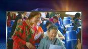 83岁学霸婆婆拿8个大学毕业证