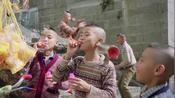 影视:师傅不在场,七小福竟闹出悲剧,把人家小孩打的乱花流水!
