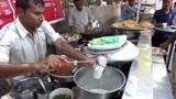 这是真实的印度街边快餐,20卢比吃到饱,真便宜,看看都吃些什么