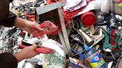 农村小伙废品站寻宝,发现大学毕业证,刚毕业几年就卖了废品
