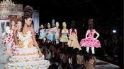 【Moschino|米兰时装周2020-2021秋冬系列超清精剪】把生日蛋糕穿在身上是什么体验?!