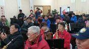 网红萨克斯老师胡辉(车站)今天上午来到东湖区老年萨克斯班上课,受到萨友们热烈欢迎!