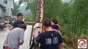 贵州铜仁市德江傩戏民俗,师傅光着脚背小孩上刀梯,你见过吗