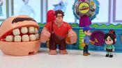 过家家英语Wreck It Ralph Feeds Mr. Play Doh Head Using Magic Mega Fun Factory Playset
