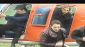 [Westlife西城男孩]这个采访觉得宝藏中的宝藏!求求你们看过来!超逼格直升机入场!(考古画质中还行的画质