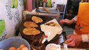 天津任姐早点大饼卷一切,鸡排卷圈都是自己做的,吃一套挺过瘾!