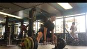 这周减载,深蹲140kg3*3(啥时候腿伤才能完全恢复啊,心累)卧推92.5kg4*4,硬拉200kg3*3