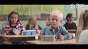 挪威一支公益广告: 小男孩家里很穷, 为了合群每天带了一个饭盒去学校, 但里面却是空的