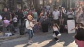 美国十岁小女孩Karolina Protsenko街头小提琴演奏Lambada]