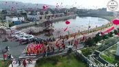 广东汕尾农村民俗活动,参加的人都会带上锣鼓礼品去参拜
