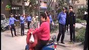 [直播南京]老小区地锁占车位成常态 引进物业管理才是出路