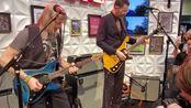 美国NAMM展 吉他大师Steve Morse与光速吉他手Paul Gilbert JAM