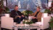 TheEllenShow#艾伦将美国之声评委布莱克·谢尔顿介绍给他的玩偶Ellen Introduces Blake Shelton to His Doll