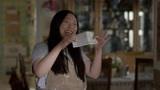 打破亚裔偏见!影后奥卡菲娜自导自演新喜剧 还原成长故事为亚裔发声