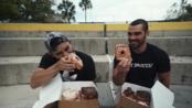 美国Nathan小哥 挑战欺骗餐一天狂吃甜甜圈等食物