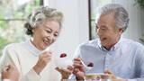 常吃这5种食物,心脏病风险大大降低,老年人要多吃,还能预防高血压