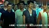 《追龙》香港人就是牛,群殴1次就有上万人撑场面