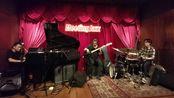 《Inner Urge》蜂蜡音乐师资团队9月25日在蛇口Meeting Jazz酒吧演奏