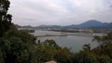 广东深圳:站在高岗上遥望香港人的大水缸,辽阔壮美一眼看不完