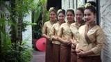 泰国特色监狱,在狱警的要求下,女犯人被迫要对外服务?