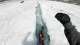 人生第一次!大神在冰河里面滑行,看的人瞠目结舌