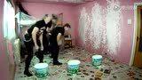 视频: 发现最热视频 不会脑震荡吧!重金属骚年的花样刷墙方式