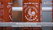 美国老干妈Sriracha汇丰红公鸡是拉差辣椒酱 祖籍广东的华裔美籍越南移民制作的泰式辣酱